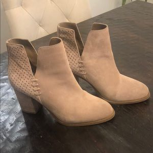 Steve Madden Taupe Suede Booties